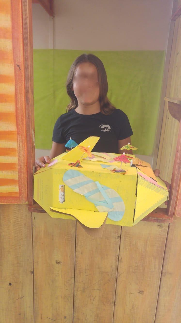 מיצג חללית מעוצב על ידי תלמידה